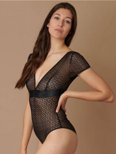 Implicite Revolution V Neck Bodysuit